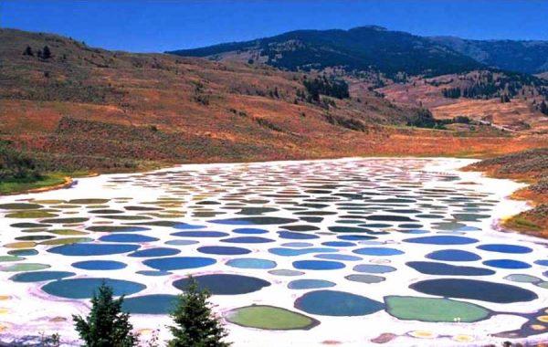با دریاچه خال خالی در کانادا آشنا شوید